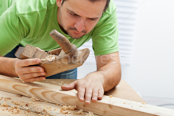 Stok fotoğraf: Adam · çalışma · ahşap · geleneksel · araçları · düzlem