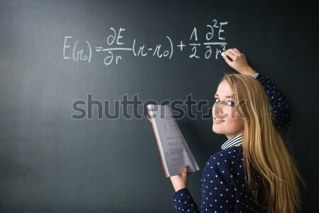 Foto stock: Bastante · jovem · escrita · matemática · classe