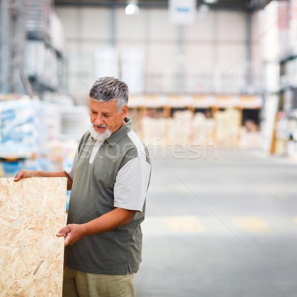 Adam satın alma inşaat ahşap depolamak Stok fotoğraf © lightpoet