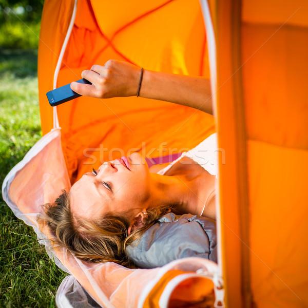 Güzel genç kadın kamp açık havada çadır sabah Stok fotoğraf © lightpoet