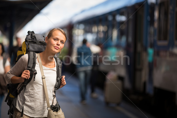 Bastante embarque tren destino espera Foto stock © lightpoet