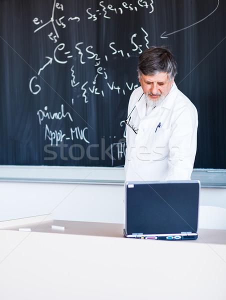 Stockfoto: Senior · chemie · hoogleraar · schrijven · boord · krijt
