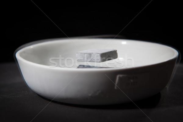 Fysica actie experiment materieel beneden vloeibare Stockfoto © lightpoet