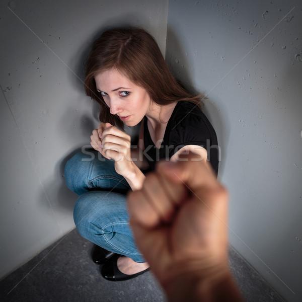 Kobieta strach krajowy domu kuchnia smutne Zdjęcia stock © lightpoet