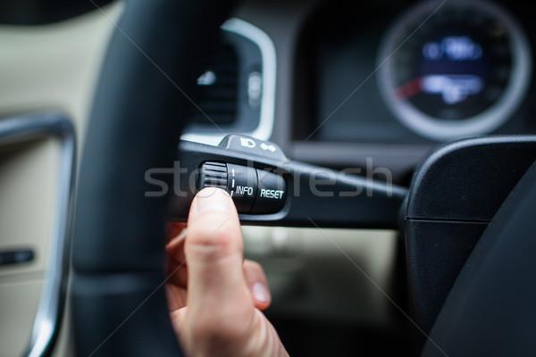 Moderne auto interieur bestuurder knop Stockfoto © lightpoet