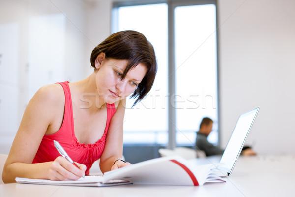 Stock foto: Ziemlich · jungen · Studium · Bibliothek · Studie