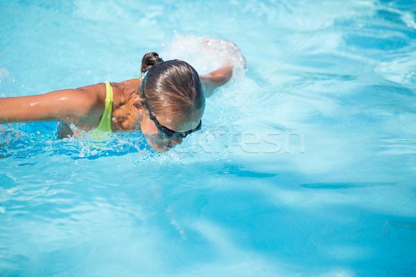 かなり 女性 スイマー プール 日々 線量 ストックフォト © lightpoet