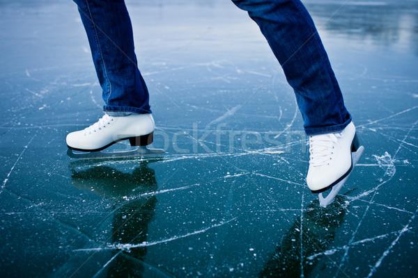 Foto stock: Patinaje · sobre · hielo · aire · libre · estanque · invierno · día
