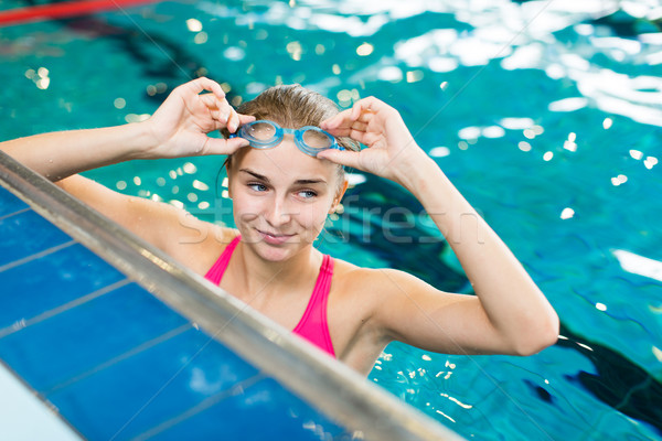 Kobiet pływak basen płytki Zdjęcia stock © lightpoet