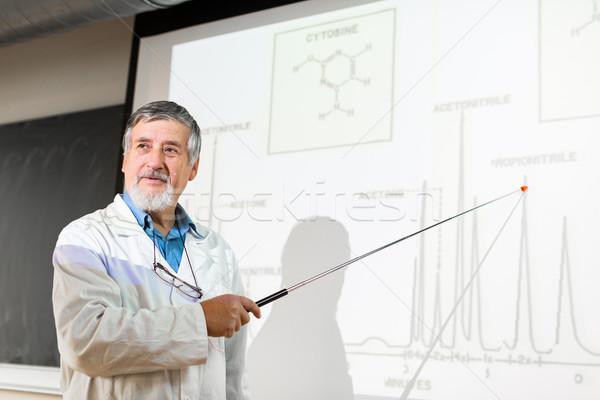 Senior química professor palestra sala de aula completo Foto stock © lightpoet