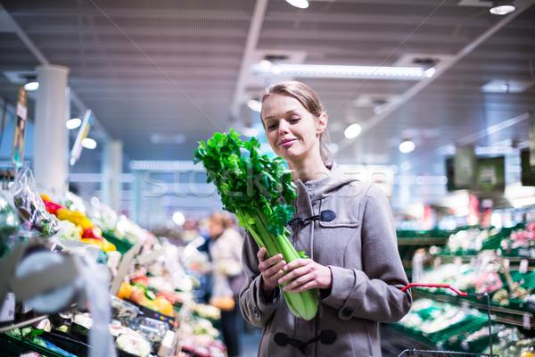 Stok fotoğraf: Güzel · genç · kadın · alışveriş · meyve · sebze · güzel