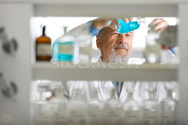 ストックフォト: シニア · 男性 · 研究者 · 外に · 科学研究