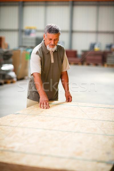 Homme achat construction bois magasin Photo stock © lightpoet