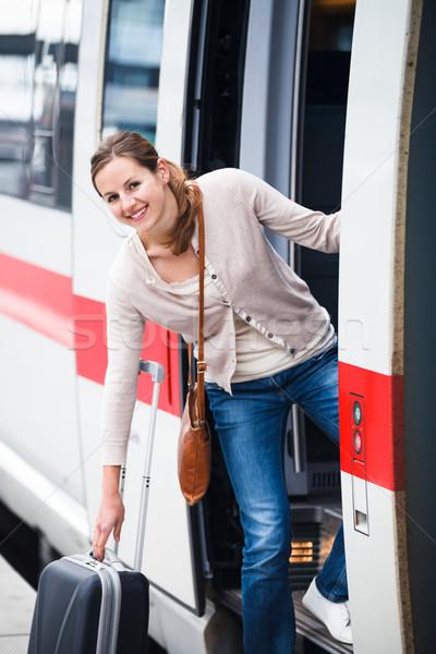 Stok fotoğraf: Güzel · genç · kadın · yatılı · tren · renk · görüntü