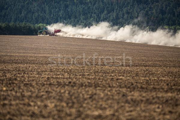 トラクター ファーム フィールド 水 作業 ストックフォト © lightpoet