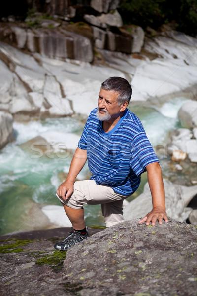 Foto d'archivio: Attivo · senior · escursioni · montagna · alpi · uomo