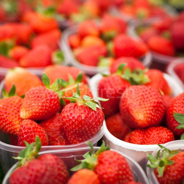 ストックフォト: 農民 · 市場 · 新鮮な · イチゴ · 食品 · フルーツ