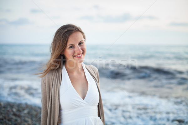 Jeune femme plage chaud été Photo stock © lightpoet