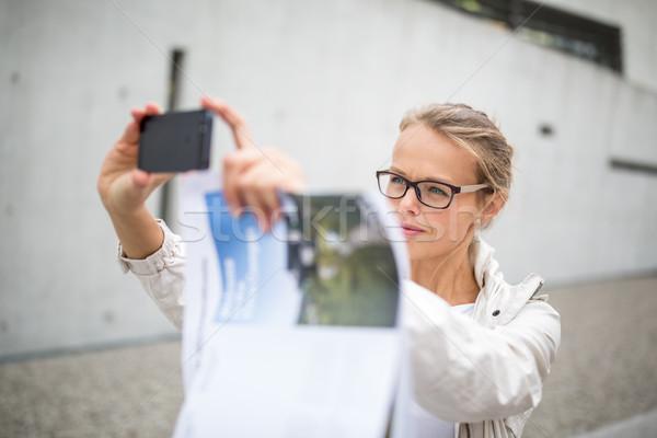 Stockfoto: Mooie · vrouwelijke · toeristische · foto · buitenlands