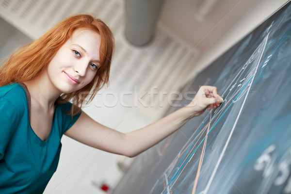 Foto stock: Bastante · jovem · escrita · quadro-negro · matemática