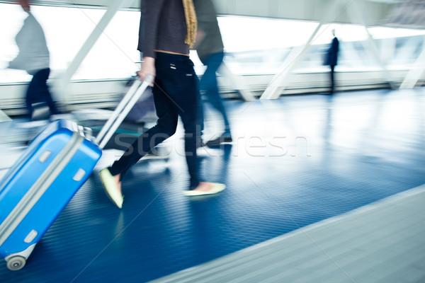Insanlar yürüyüş koridor havaalanı acele Stok fotoğraf © lightpoet