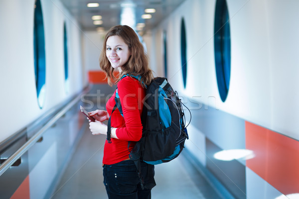 Portré fiatal nő beszállás repülőgép híd égbolt Stock fotó © lightpoet