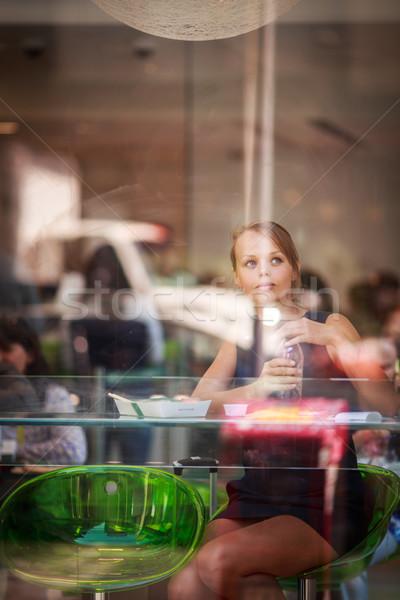 かなり 若い女性 食べ 寿司 レストラン 昼休み ストックフォト © lightpoet