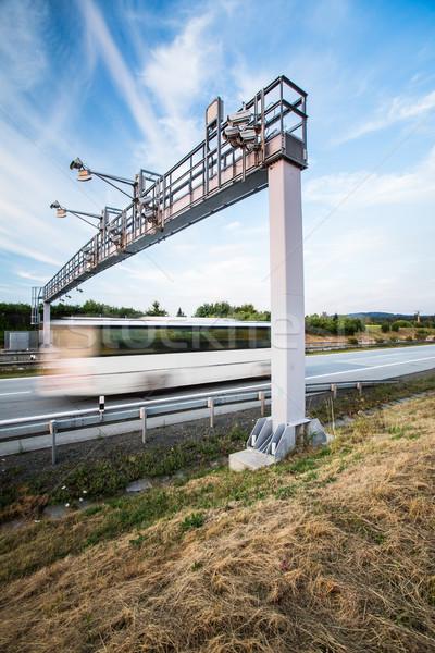 Ciężarówka bramy autostrady ruchu zamazany Zdjęcia stock © lightpoet