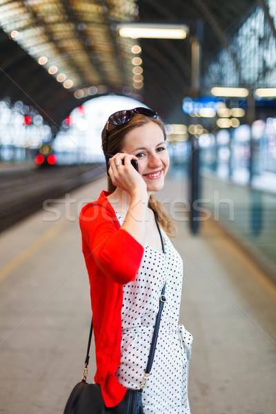 довольно железнодорожная станция женщину город портрет Сток-фото © lightpoet