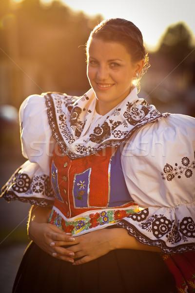 Jeune femme décoré cérémonial robe tradition vivant Photo stock © lightpoet