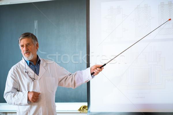 シニア 化学 教授 講義 教室 フル ストックフォト © lightpoet