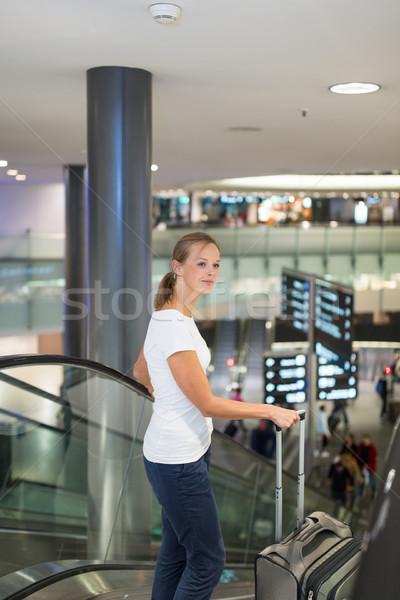 Сток-фото: молодые · женщины · аэропорту · ворот · совета · полет
