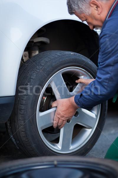 Stock fotó: Szerelő · kerék · modern · autó · szín · tél