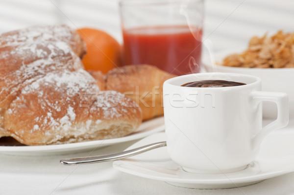 śniadanie kontynentalne kubek kawy świeże rogaliki sok pomarańczowy Zdjęcia stock © limpido