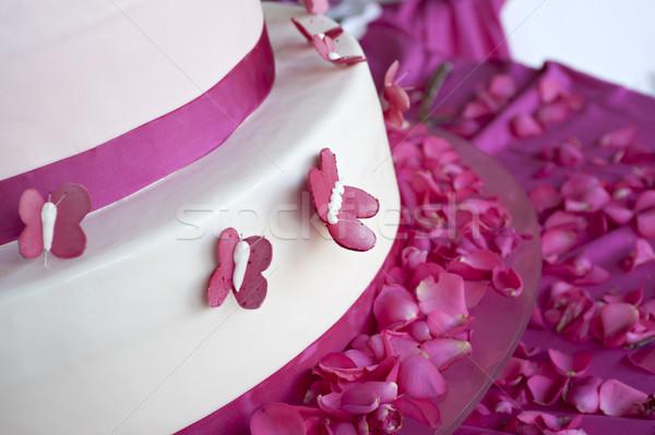 Düğün pastası dekore edilmiş gül yaprakları kelebekler düğün gül Stok fotoğraf © limpido