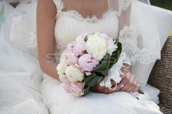 Buket gelin oturma dekore edilmiş çiçekler Stok fotoğraf © limpido