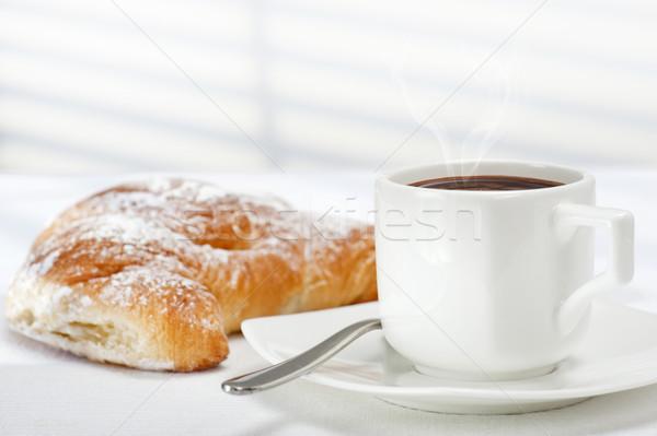 Сток-фото: завтрак · Кубок · кофе · свежие · круассан · белый