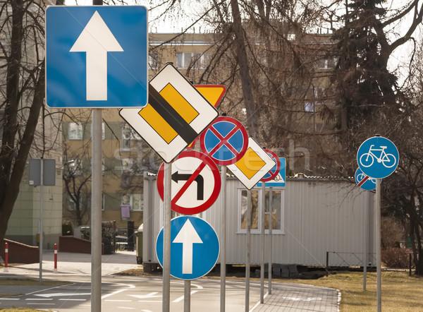 Panneaux de signalisation routière routes route signe industrielle nuage Photo stock © linfernum