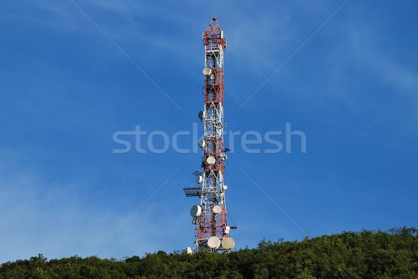Antena colina topo blue sky metal rádio Foto stock © Lio22