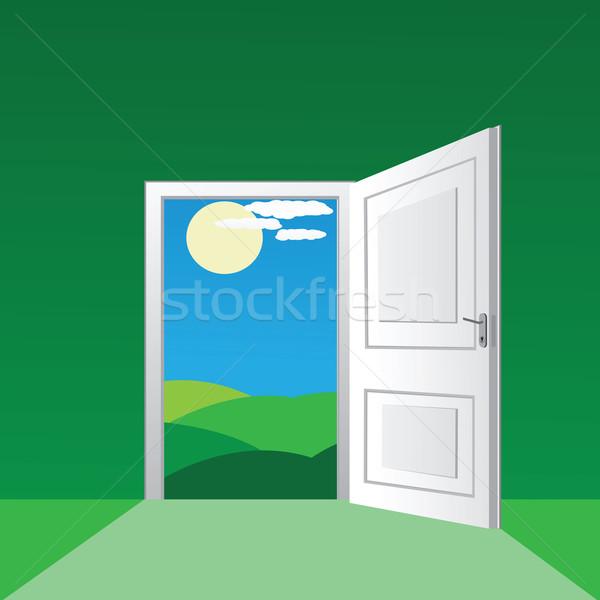 Open deur zonnige veld muur achtergrond ruimte Stockfoto © lirch