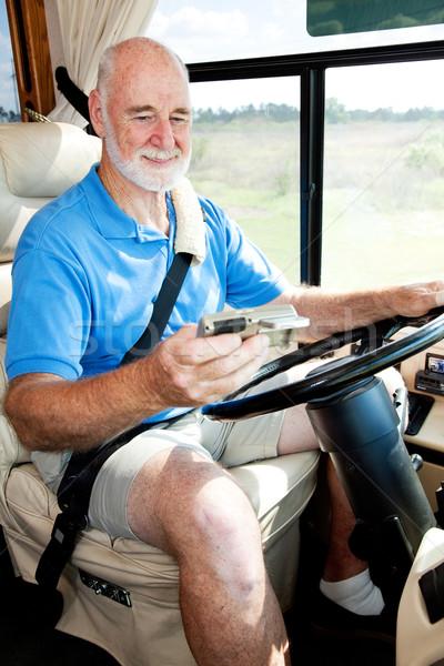 Senior driver GPS uomo navigazione unità Foto d'archivio © lisafx