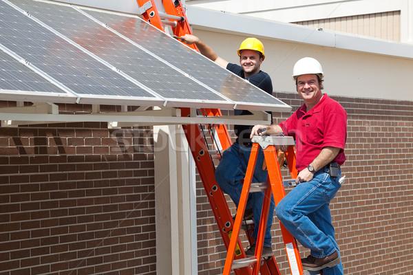 Zöld állások boldog munkások foglalkoztatott installál Stock fotó © lisafx