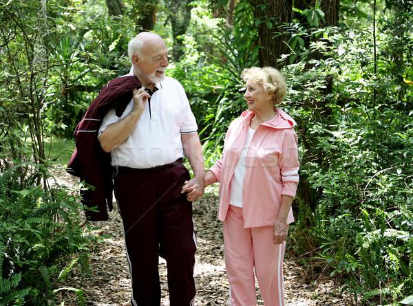 Strony godny podziwu starszy para spaceru lesie rodziny Zdjęcia stock © lisafx