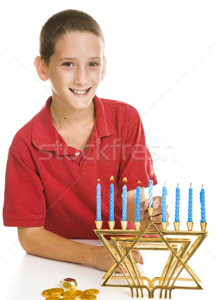 Garçon célébrer peu éclairage bougies isolé Photo stock © lisafx