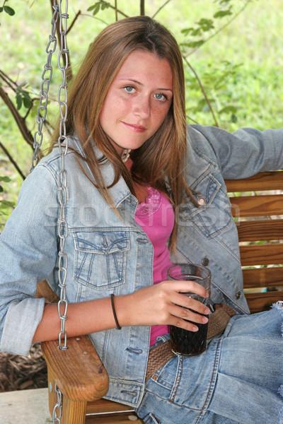 Menina bebida fria belo menina adolescente potável frio Foto stock © lisafx