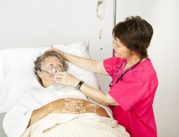 кислородная маска больницу медсестры старший женщину дыхание Сток-фото © lisafx