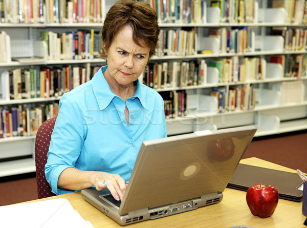 Escolas biblioteca bibliotecário estudantes on-line Foto stock © lisafx