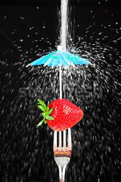 Naturalmente doce suculento morango garfo protegido Foto stock © lisafx
