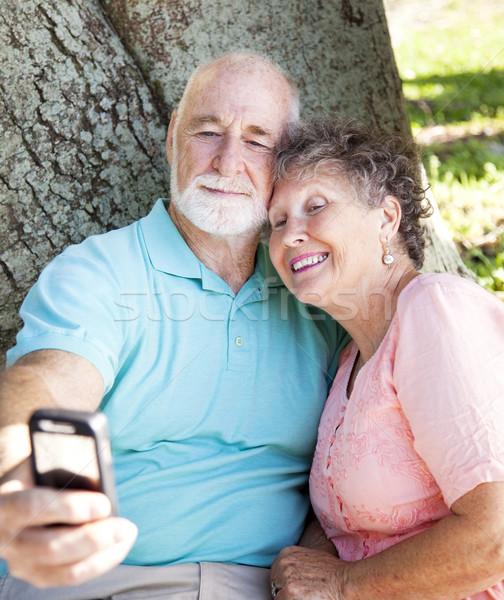Yaşlılar peynir cep telefonu kamera Stok fotoğraf © lisafx