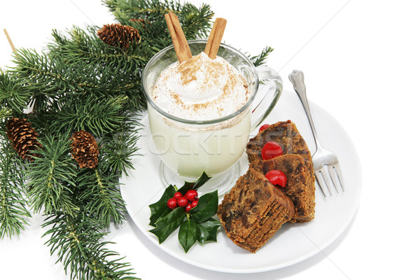 Gyümölcstorta ünnep tányér fenyőfa ágak fehér Stock fotó © lisafx